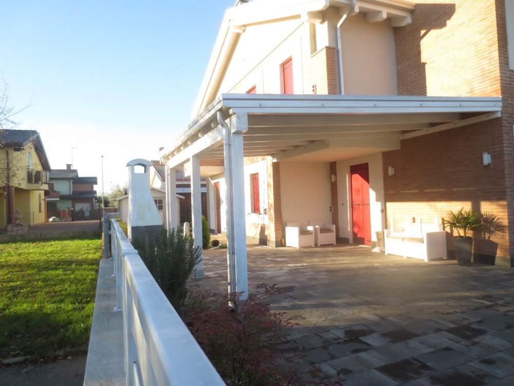 Villetta quadrifamiliare Stienta (RO)